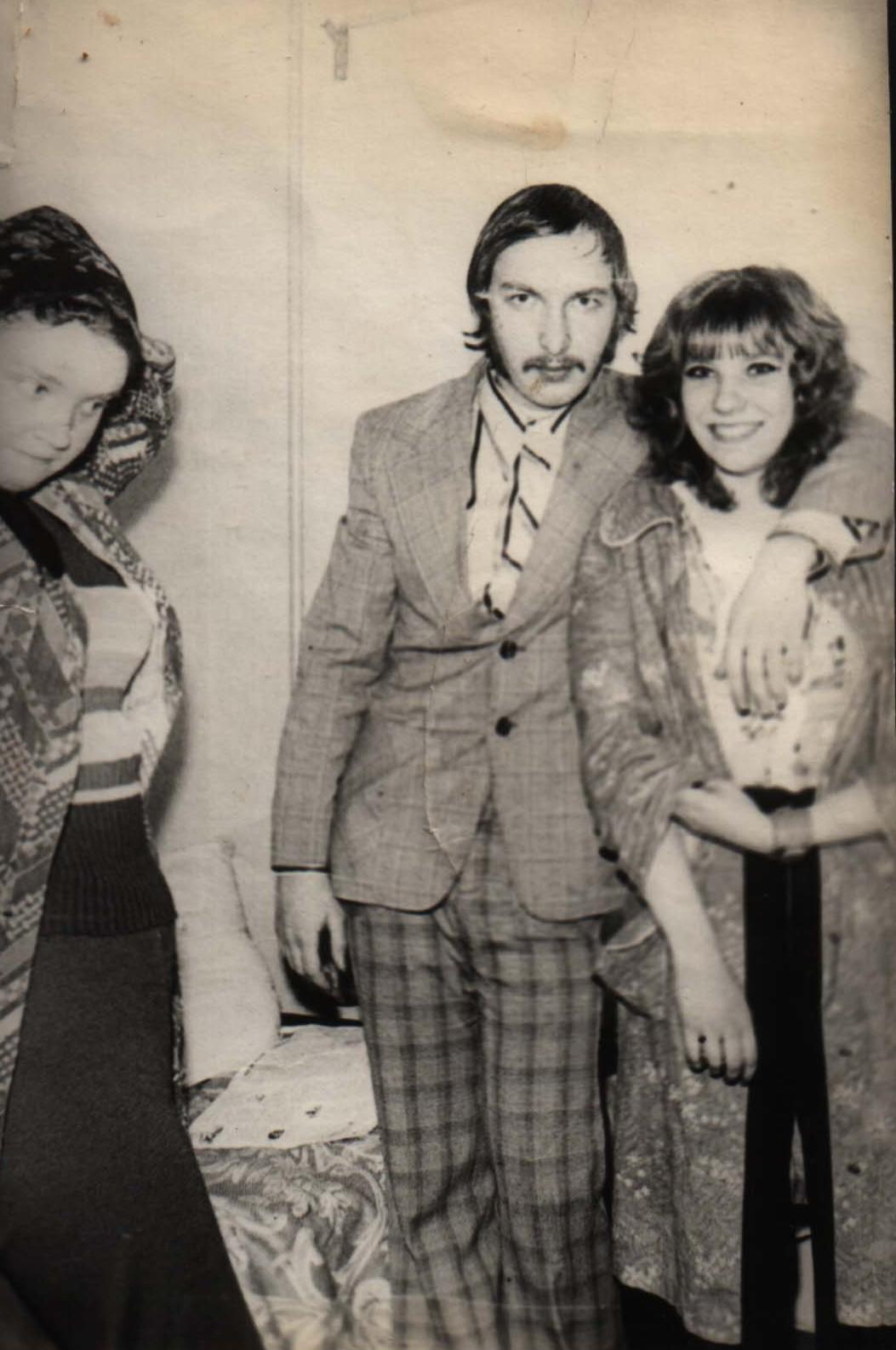 В центре — Лысенко Георгий Павлович, справа — Лысенко (?) Валентина, его жена